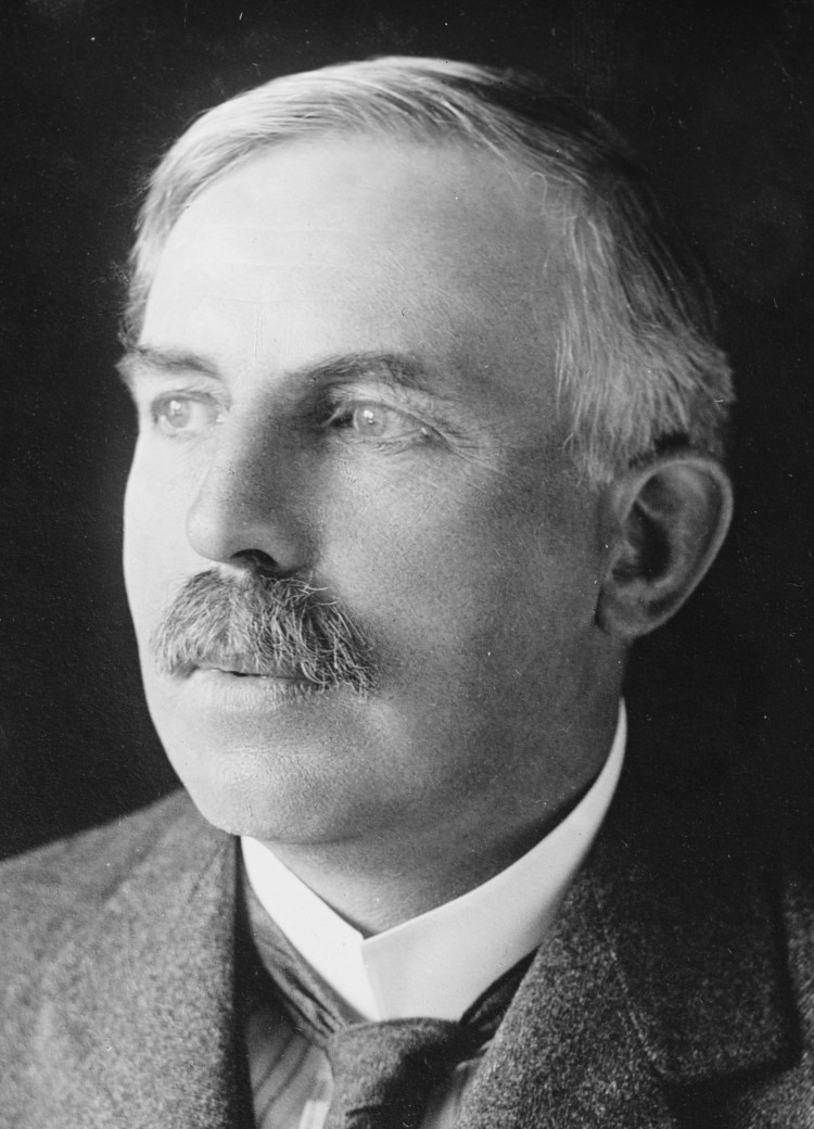 Sir_Ernest_Rutherford.jpg
