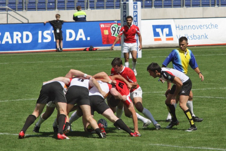 European_Sevens_2008,_Germany_vs_Georgia,_scrum.jpg