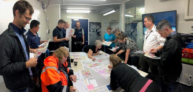 Glenfield-briefing with police.jpg