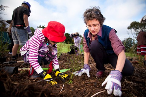 Dig into community planting days 2