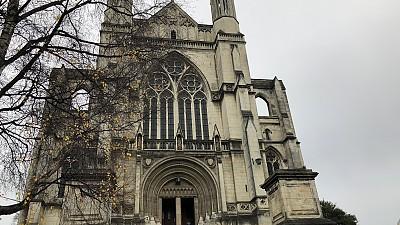 옥타곤 광장에 있는 성바울 성당