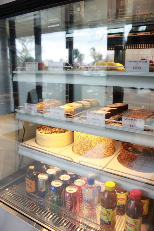 Dessert cabinet